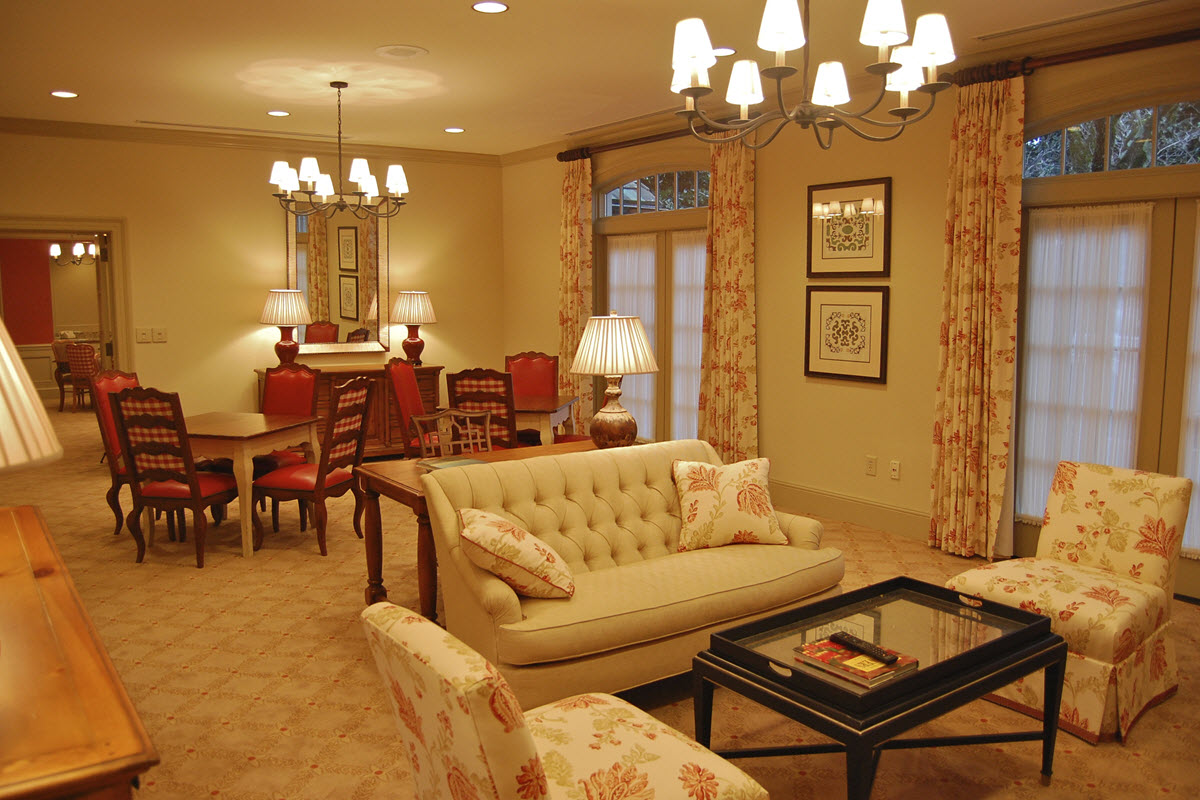 Dunwoody Country Club Ladies Locker Room and Lounge